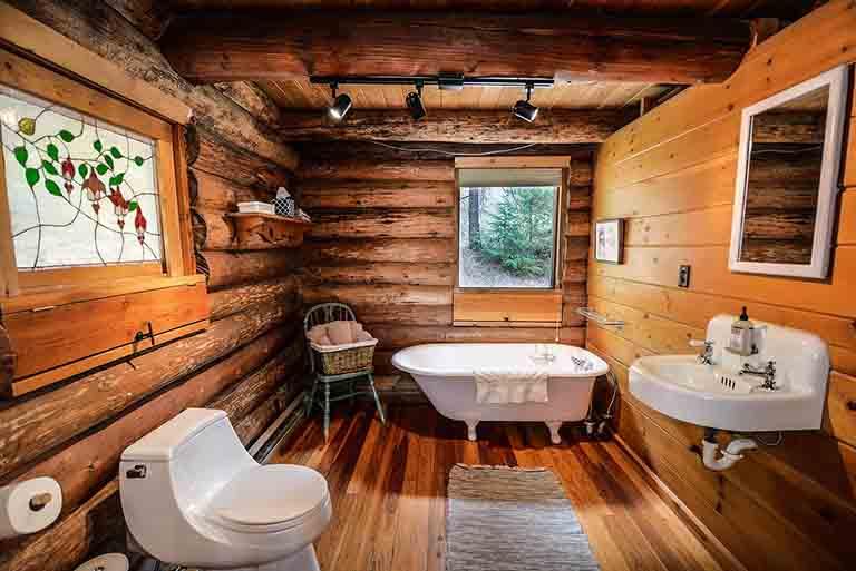 在来工法の木のお風呂場
