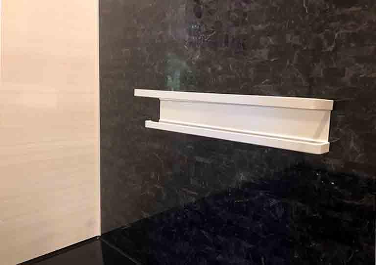 磁石を使った浴室の棚