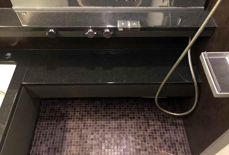 研磨コーティングで仕上げたローカウンター